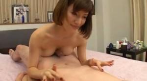 芦名ユリアに乳首を重点的に責められ3回連続射精w