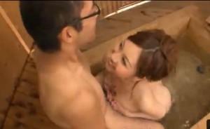 辰巳ゆい 童貞専門お風呂屋さんの巨乳パイズリで暴発挟射してしまう童貞クン!