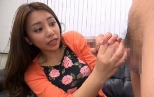松本メイ 巨乳OLの手コキに何も言わず突然暴発&顔射するびっくり射精!