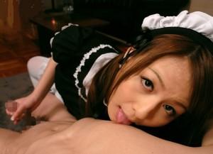 希崎ジェシカ ひたすら男の乳首を舐める激カワメイドの凄テクが気持ち良すぎる!