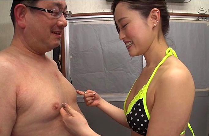 桐嶋りの 変態美女がドMな汁男優たちを巧みな痴女テクで大量射精させてごっくんしていく!