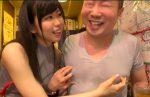 宮村ななこ 公共の場で乳首を乳繰り合い、敏感M男を射精に導く乳首チャレンジ!