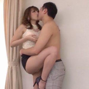 桜井あゆ 接吻と乳首舐めがエロすぎるお姉さんに挑発された我慢汁が止まらないM男たちの暴発射精
